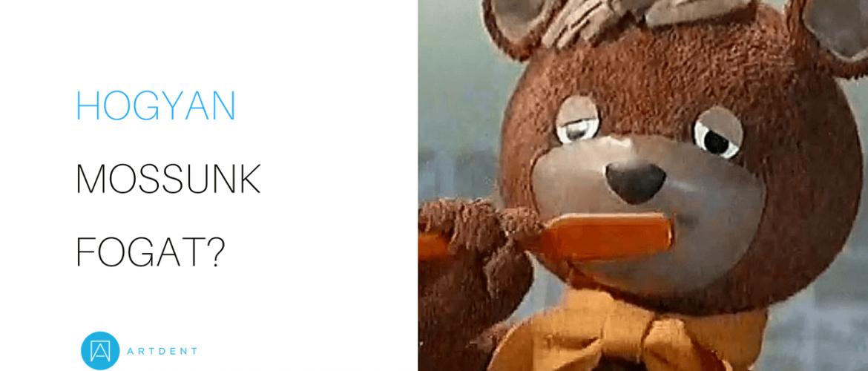 A kép bal oldalán a cím: hogyan mossunk fogat?, a kép jobb oldalán a TV maci fogat mos.