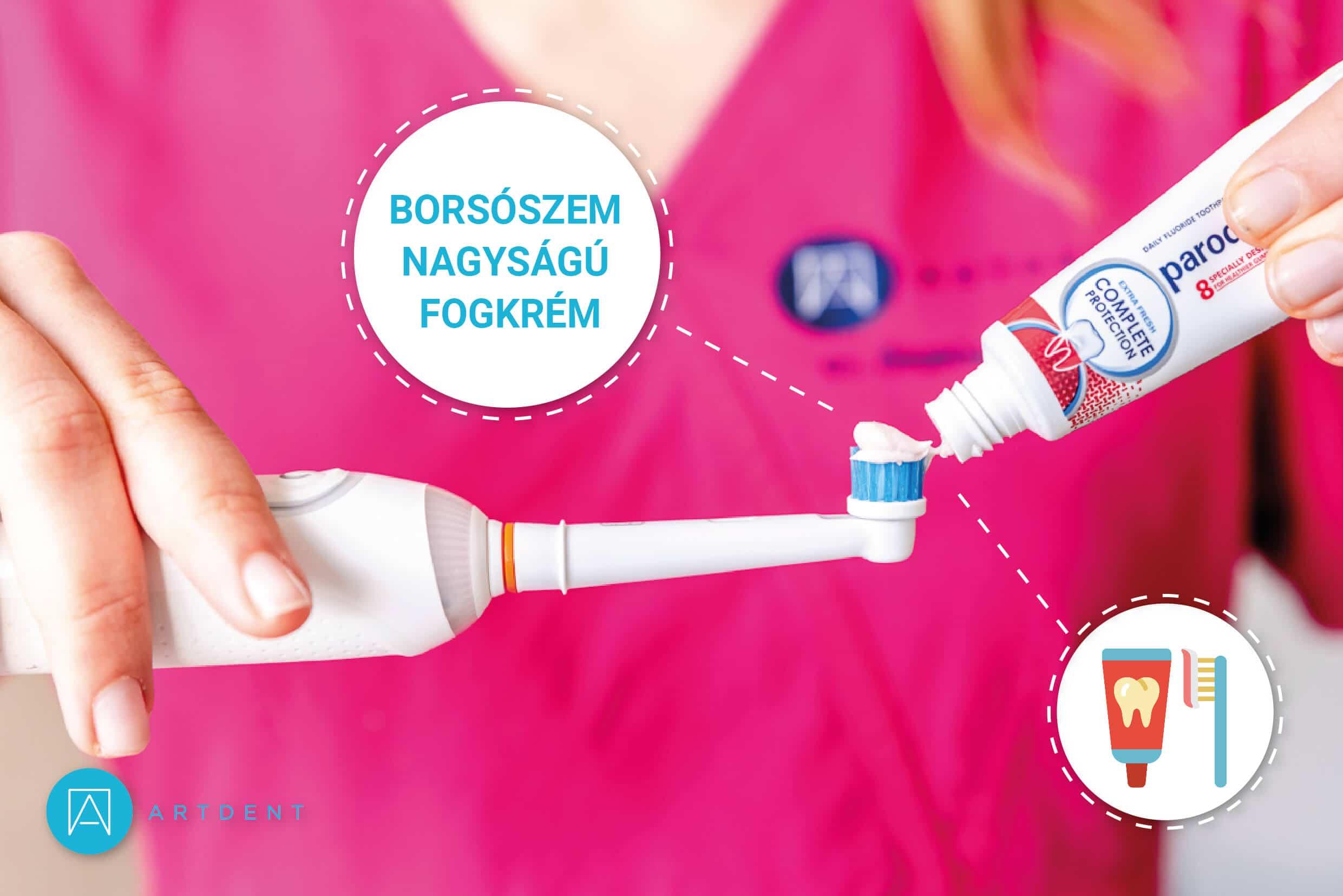 Dr. Ökrös Petra megmutatja, hogy mennyi fogkrémet kell használni fogmosáshoz.